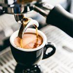 طرز تهیه قهوه اسپرسو با دستگاه اسپرسوساز برقی